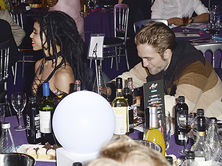 Going Strong! Robert Pattinson Supports Fiancé FKA twigs at 2015 MOBO Awards