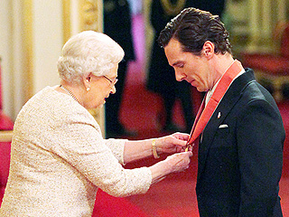 Cumberbatch Meets the Queen! The Sherlock Star Honored with C.B.E. At Buckingham Palace