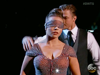 VIDEO: Bindi Irwin Wows on DWTS – While Blindfolded!