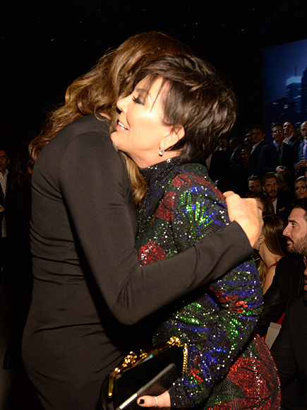 Caitlyn and Kris Jenner Share a Friendly Hug at VS Fashion Show – All the Details On Their Sweet Exchange!| Victoria's Secret, Caitlyn Jenner, Kendall Jenner, Kris Jenner, Victoria's Secret