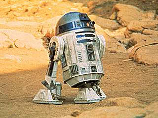 BB-8 + R2-D2 = BFFs? 'If It Doesn't Spark, It's a F------ Disaster,' J.J. Abrams Says of Old-Meets-New Star Wars Cast