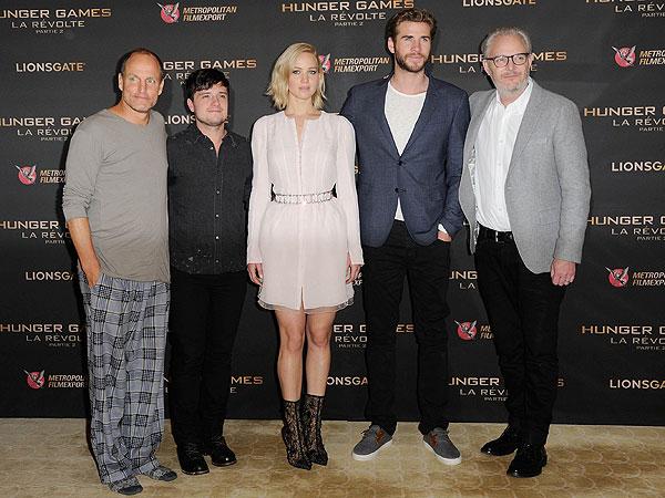 Woody Harrelson wears pajamas