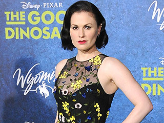 Anna Paquin Responds to Critics Who Said She Looked 'Pregnant and Fat': 'I'm Neither'