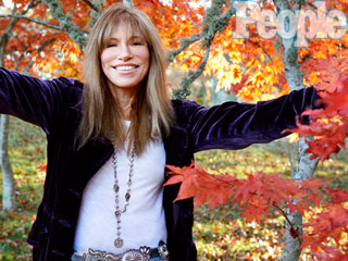 VIDEO: Carly Simon on Her Continuing Love for Ex James Taylor