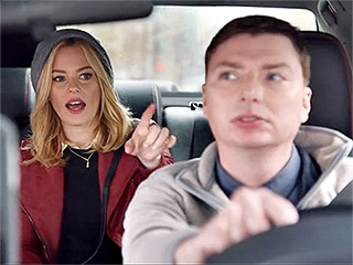 VIDEO: Elizabeth Banks Gets Taken on the Uber Ride from Hell on SNL