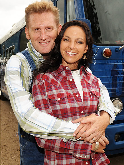 Joey Feek Sleeps 'Peacefully' as Husband Rory Contemplates Life 'Without Her': 'I Know That Day Is Coming'| Cancer, Country, Music News, Joey Feek