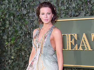 Kate Beckinsale Flashes Her Ring-less Finger Two Days After News of Split from Len Wiseman