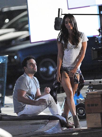 Jake Making Out: Megan Fox, Jake Johnson Kiss On 'New Girl' Set: Photos