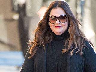 Melissa McCarthy Looks Fabulous (in Her Own Line!) Arriving to Jimmy Kimmel Live!