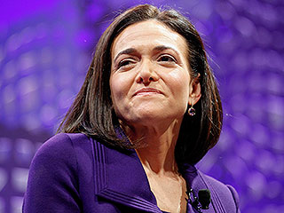Sheryl Sandberg Dedicates Heartbreaking Mother's Day Essay to Single Moms 1 Year Since Husband's Death