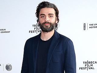 Oscar Isaac Teases Star Wars: The Force Awakens Secrets – Including Two Characters Whose 'Fates Are Intertwined'