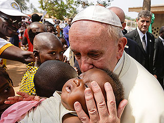Pope Francis Visits Refugee Camp in War-Torn African Nation as a 'Pilgrim of Peace'
