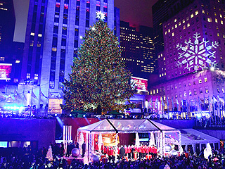Michael Bublé, Carly Rae Jepsen, Mary J. Blige and More Perform at Rockefeller Center Christmas Tree Lighting