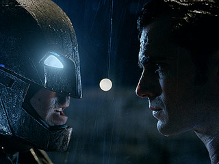 A More Violent, R-Rated Version of Batman v Superman Will Be Released On Home Video