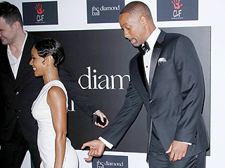 Jada's Got Back! Will Smith Pretends to Pinch Jada Pinkett Smith's Butt on Red Carpet