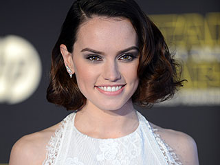 Daisy Ridley Shares Her 5 Best Beauty Tips (Think Rosehip Oil and Heels!)