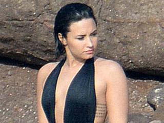 See Demi Lovato and Boyfriend Wilmer Valderrama Recreate the Iconic Dirty Dancing Lift!