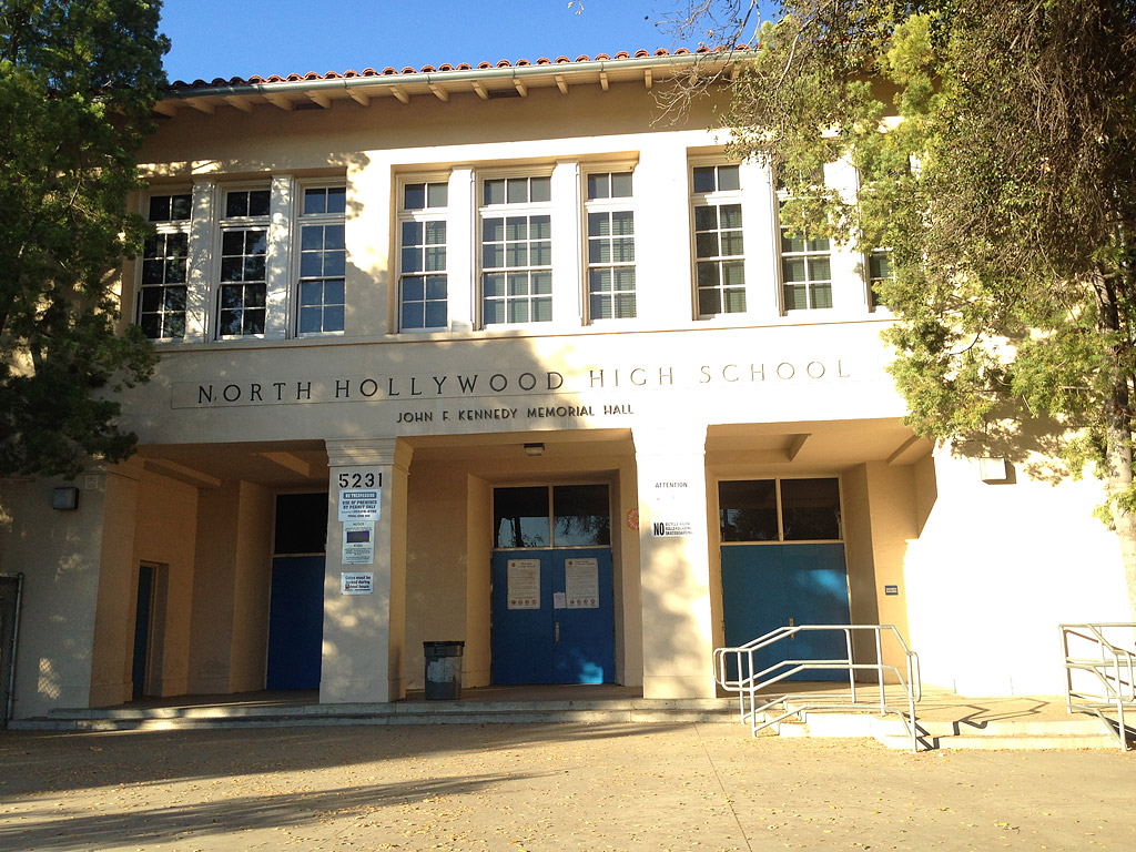 Los Angeles Parents React to Citywide Bomb Threat