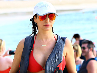 Lauren Silverman Flaunts Her Bikini Body on the Beach with Boyfriend Simon Cowell