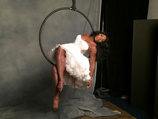 Serena Williams Shares Behind-the-Scenes Photo from Her Sports Illustrated Shoot