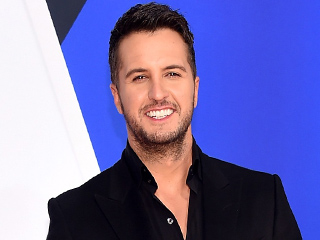 Ever Wanted to Dig Through Luke Bryan's Phone? Here's What You'd Find!