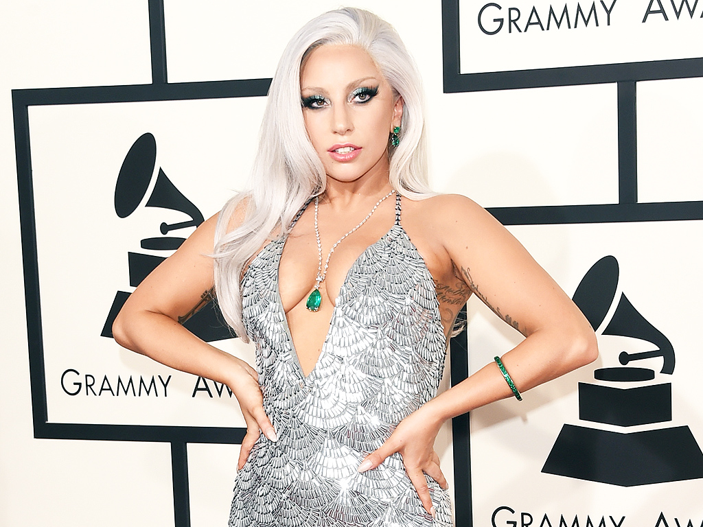 Lady Gaga to Perform at the OscarsLady Gaga Pregnant Outfit