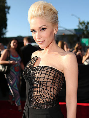 Gwen Stefani Grammy Awards 2015 red carpet