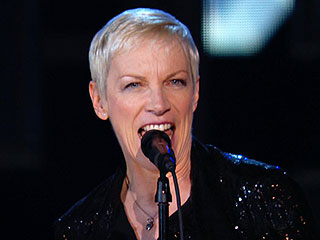 Annie Lennox Casts a 'Spell' During Her Grammys Performance