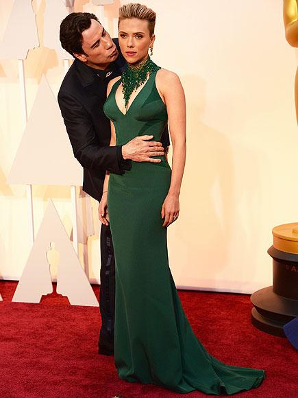 Oscars 2015: Scarlett Johansson Defends John Travolta Kiss