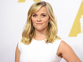 Does It Get Any Cuter Than Reese Witherspoon's Oscars Prep? Check It Out