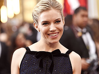 Sienna Miller Calls American Sniper a 'Poignant, Human Story,' Praises Director Clint Eastwood