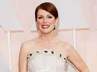 Julianne Moore's Oscars Dress Took How Long to Make?