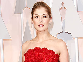 The Best Gowns at the Oscars (According to Our Style Editors) | Rosamund Pike