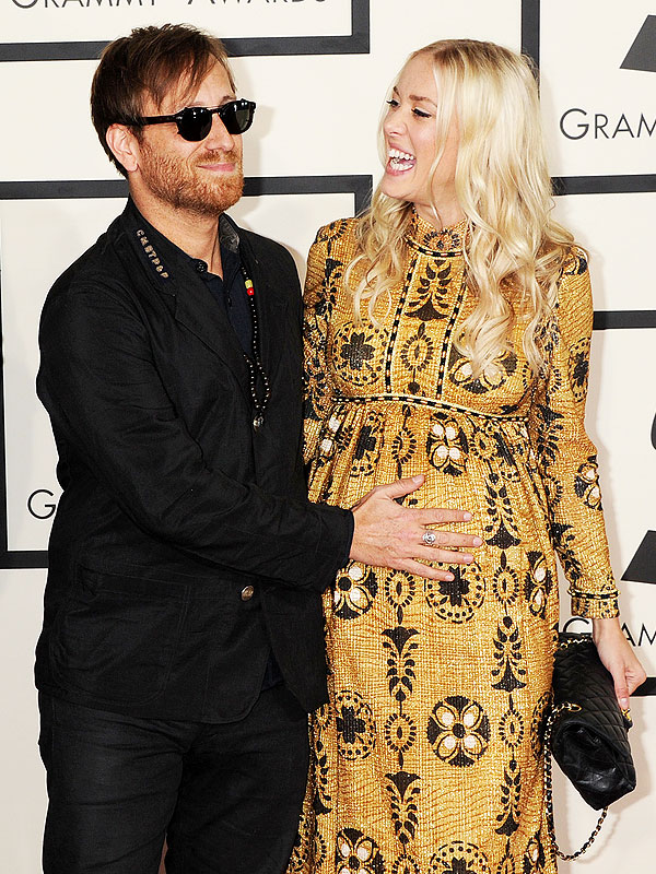 Grammys 2015 Black Keys Dan Auerbach Jen Goodall engaged expecting first child