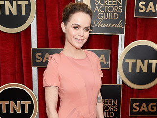 Orange Is the New Black Star Taryn Manning: I'm Not Related to Peyton and Eli | Taryn Manning
