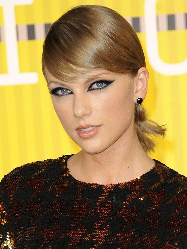 Taylor Swift 2015 VMAs makeup