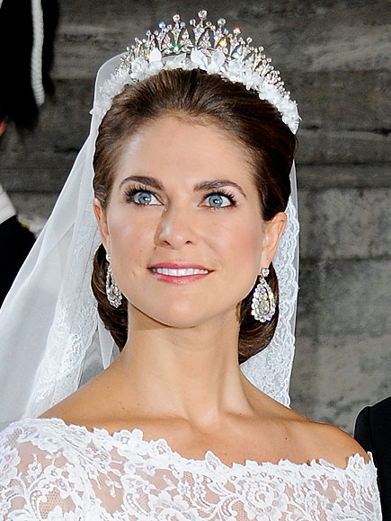 http://img2.timeinc.net/people/i/2015/royals/gallery/wedding-tiara/princess-madeline-435.jpg