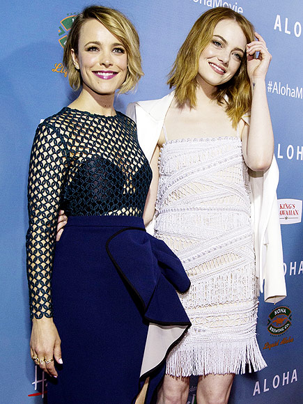 ALOHA, HOLLYWOOD photo | Emma Stone, Rachel McAdams