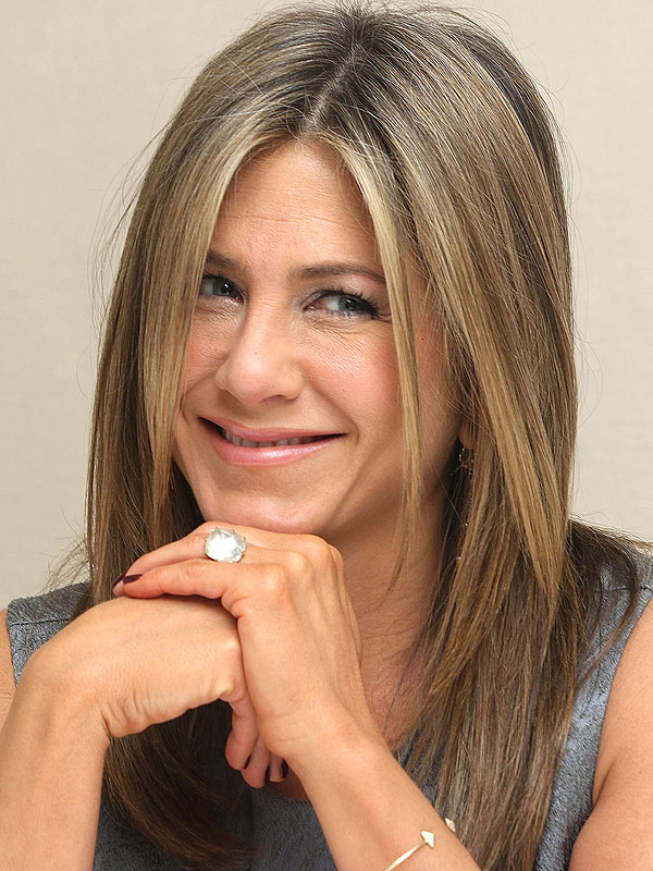 Jennifer Aniston engagement ring
