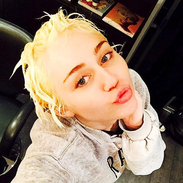 Miley Cyrus bleaches hair