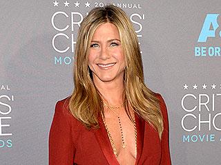 Whoa! Jennifer Aniston Ditches Bra, Wears Gold Body Chain to the Critics Choice Awards   Jennifer Aniston