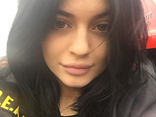 How Does Kylie Jenner's Makeup-Free Selfie Stack Up Against Her Sisters' Fresh-Faced Instas? | Kylie Jenner