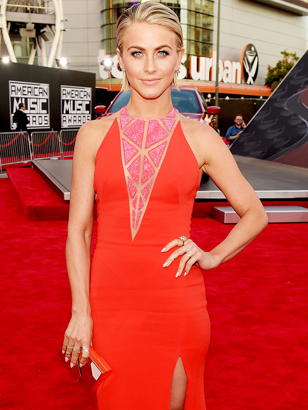 Julianne Hough attends the 2014 American Music Awards