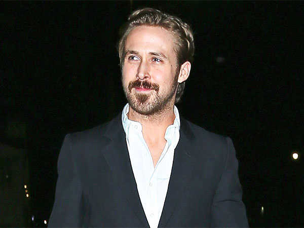 Ryan Gosling's Beard/Mustache Combo Makes Him Look Like a Cartoon ...