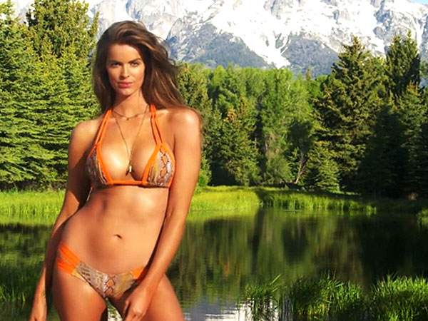 Sports Illustrated Swimsuit Issue 2015, Robyn Lawley Plus-Size Model ...