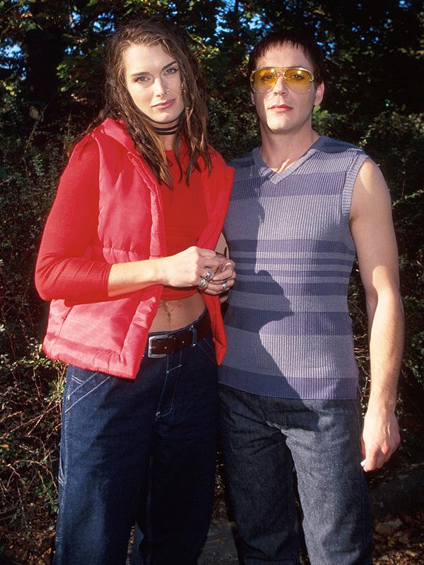 Actors Brooke Shields and Robert Downey Jr. on set