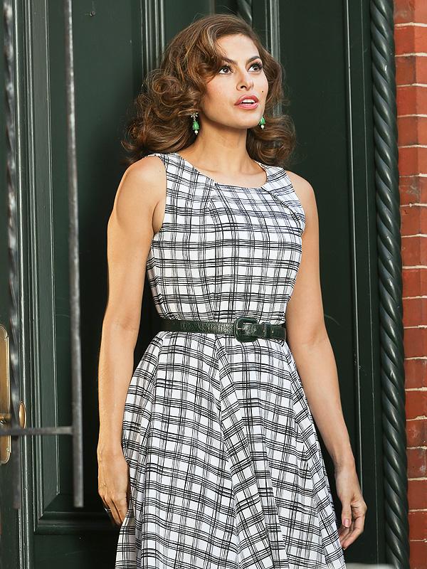 NEW YORK, NY - FEBRUARY 18: Eva Mendes seen filmi