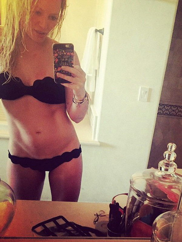 Hilary Duff bikini selfie