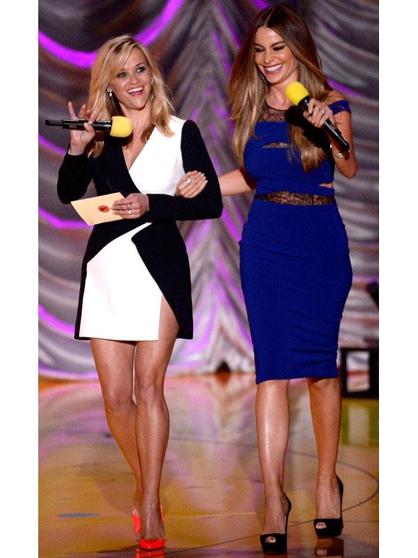 Reese Witherspoon and Sofia Vergara MTV Movie Awards