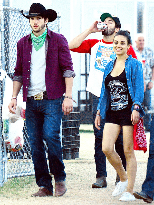 Ashton Kutcher and fiance Mila Kunis were spotted